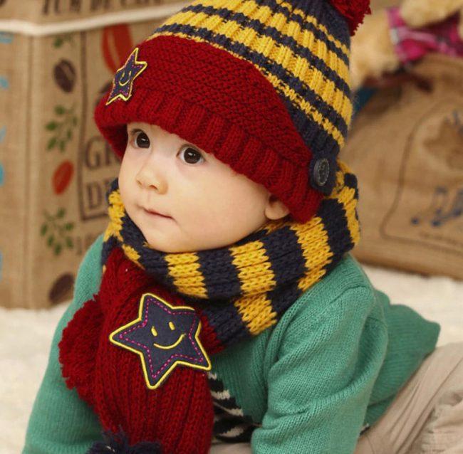 Set muts en sjaal baby wol gebreid rood en blauw