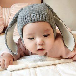 baby muts met konijnenoren grijs
