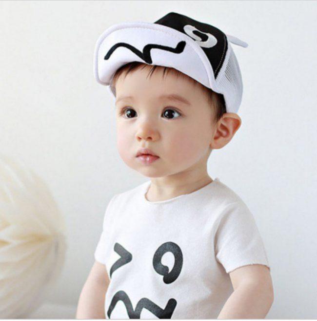 pet voor baby verstelbaar wit zwart