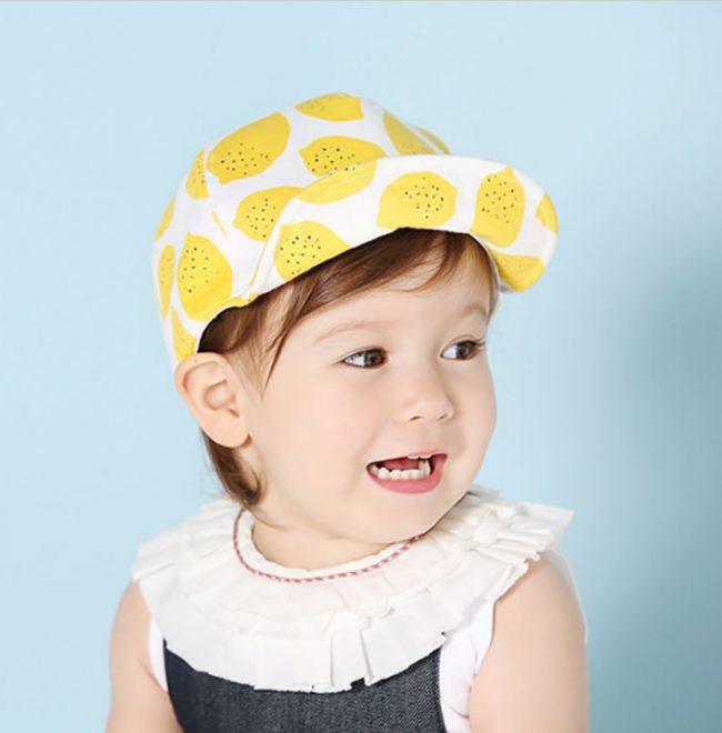 Petje wit met zomerse citroentjes | 43 - 52 CM | 0,5 - 3 jaar