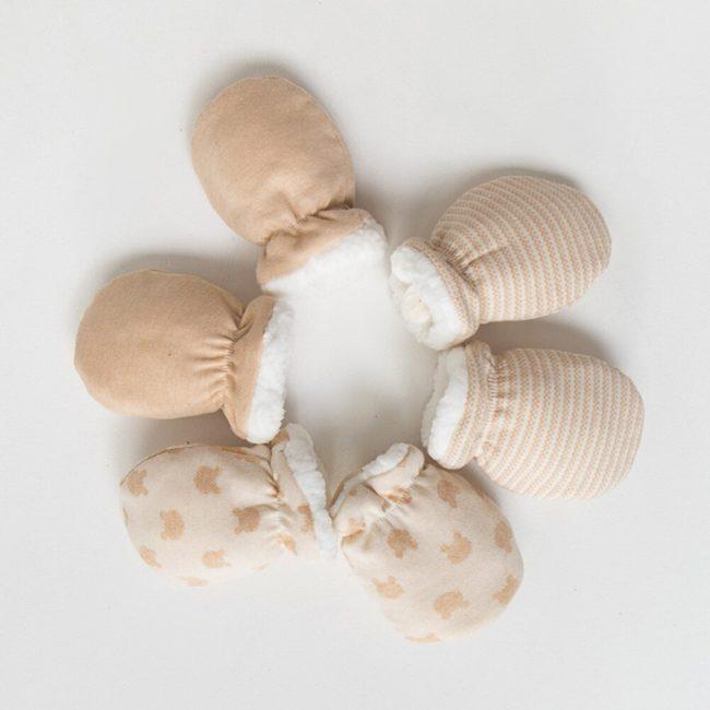 winterse warme pasgeboren baby wanten vanaf 0 jaar beige motief-1